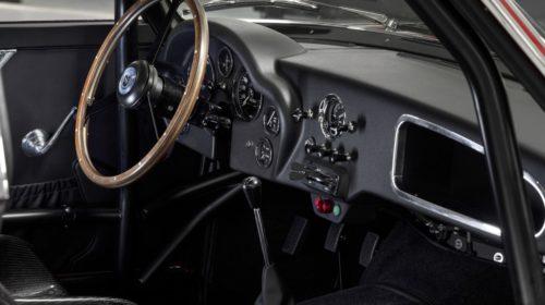 Aston_Martin_DB4_GT_Zagato_Continuation_8-jpg
