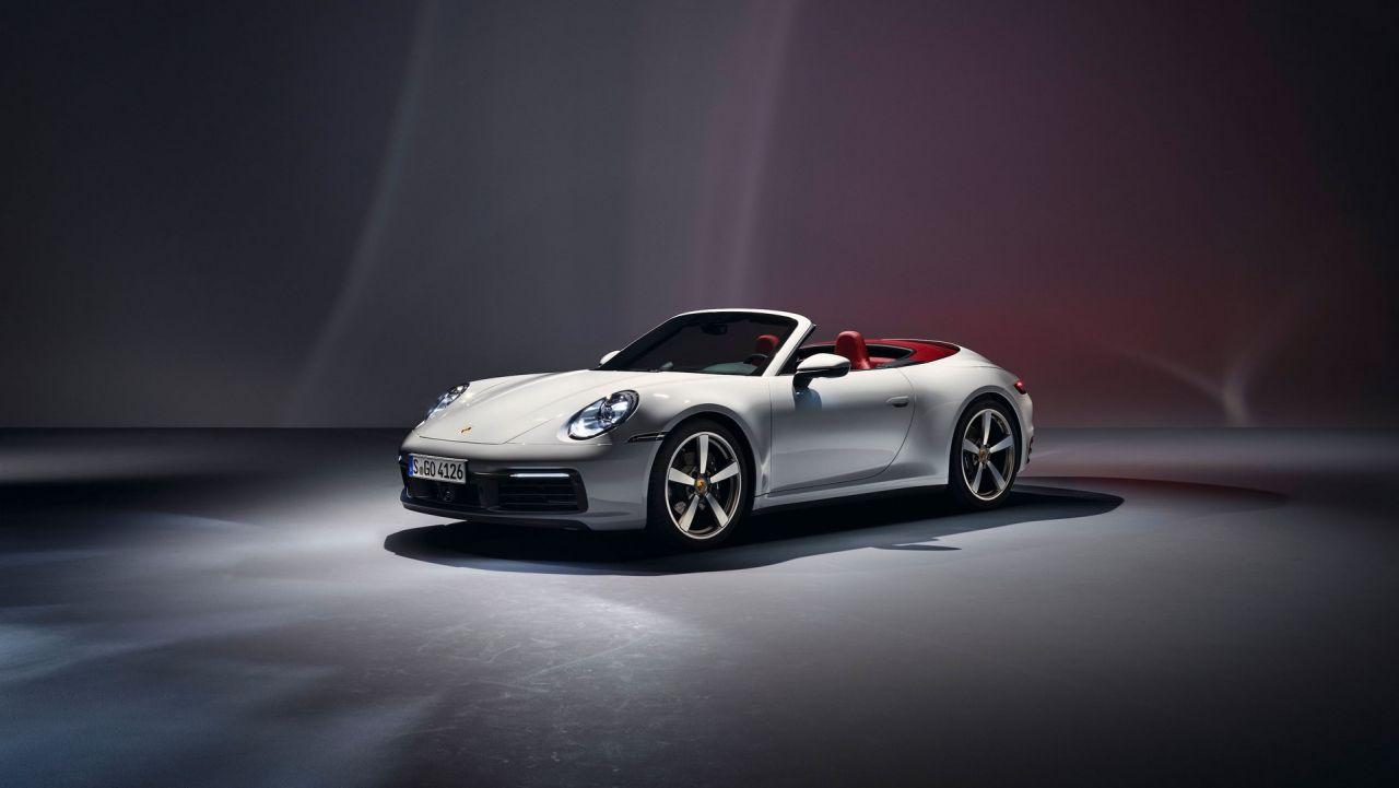2019 Porsche 911 Carrera-Coupe-Cabriolet-2