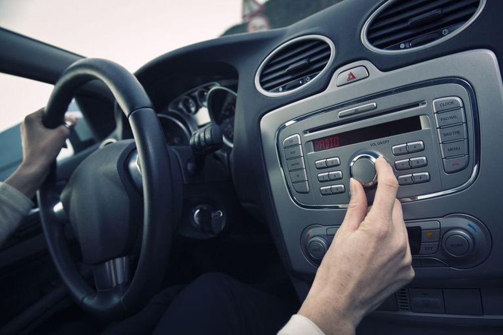 In-car radio