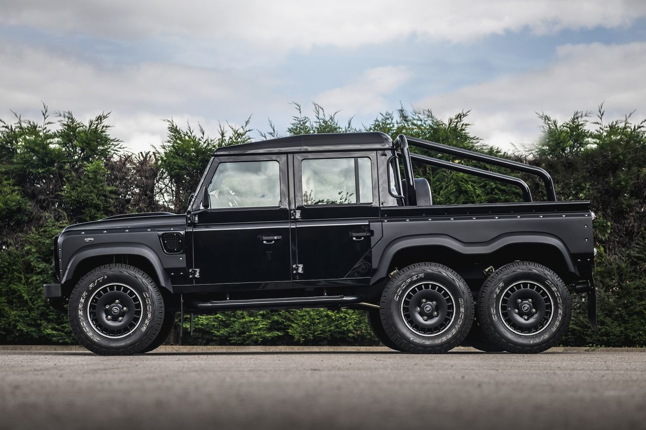 LAND ROVER DEFENDER Flying Huntsman 6x6-2