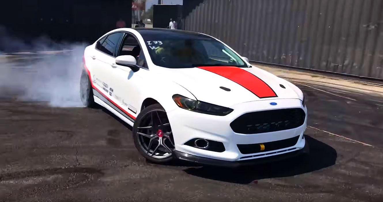Hoonigan Ford Fusion V8-drift