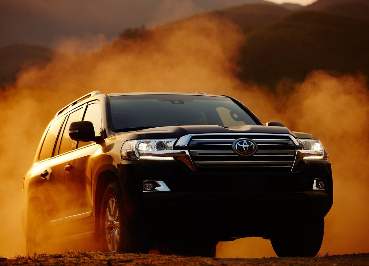 Toyota-Land_Cruiser-2016