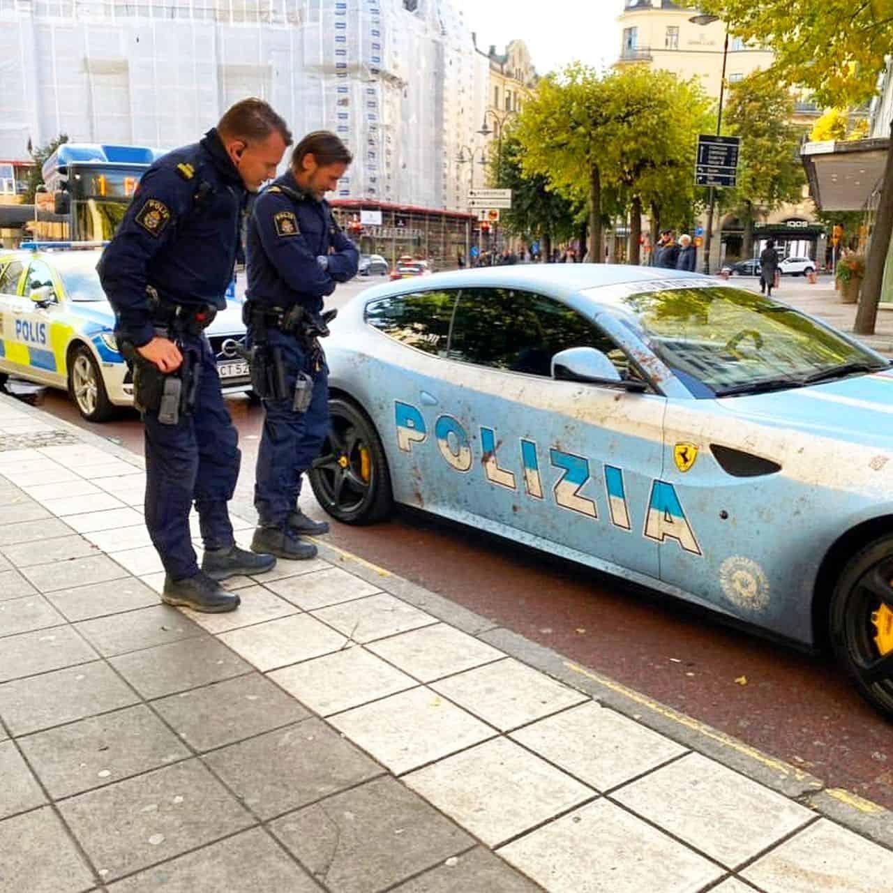 Ferrari FF-Police-car-Italy-1