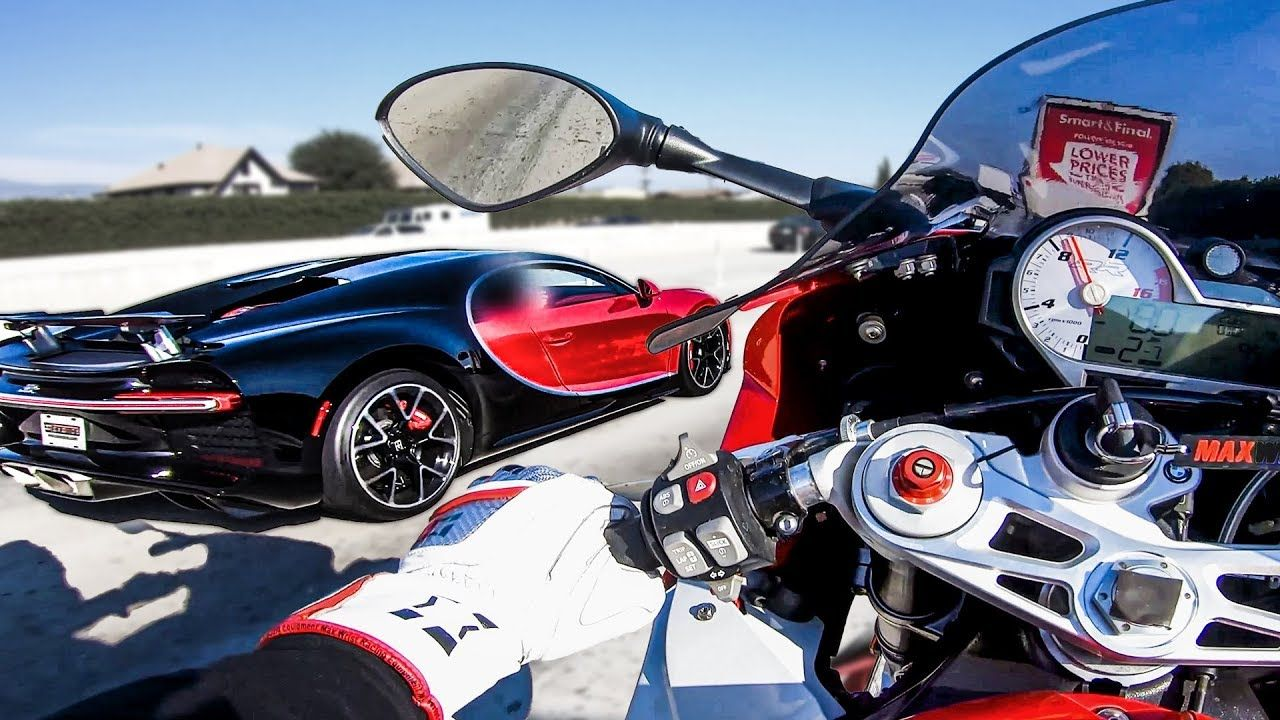 Bugatti Chiron Races A Bmw S1000rr Superbike On A Highway The Supercar Blog