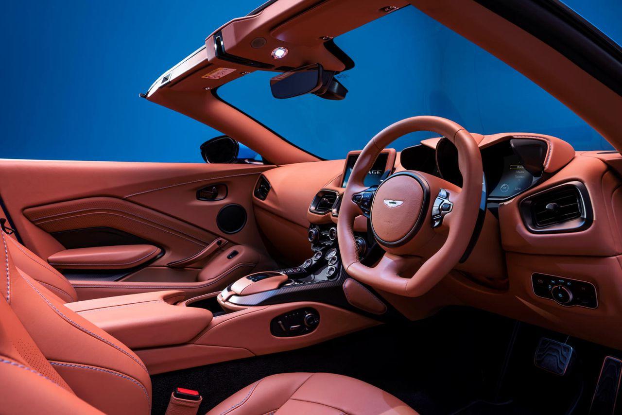Aston Martin Vantage Roadster-2021-5