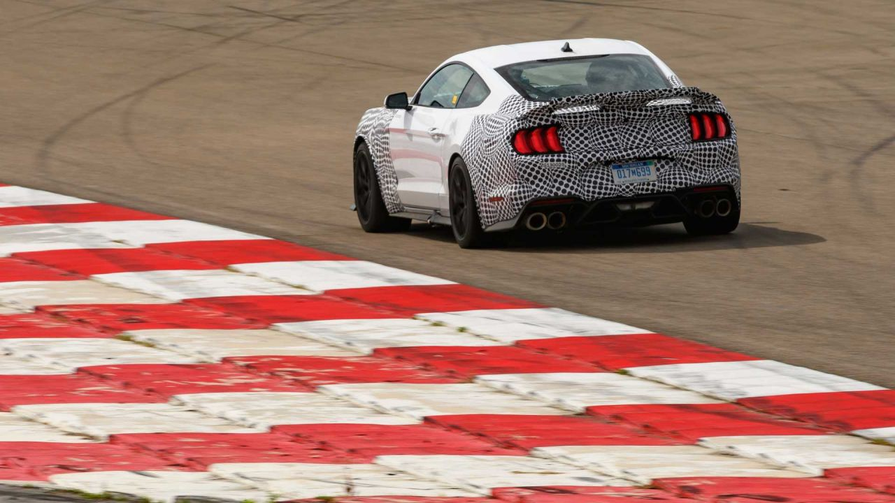 2021-ford-mustang-mach-1-track-testing (1)