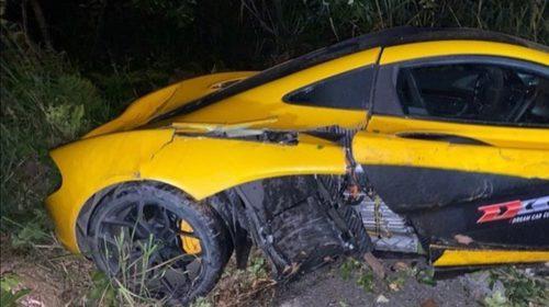 Yellow McLaren P1-Crash-China-3