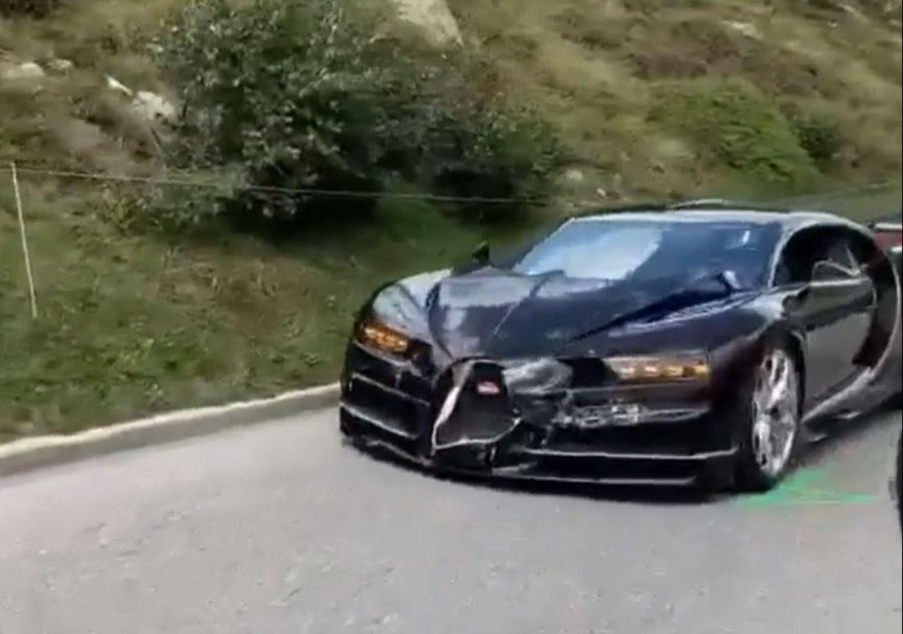 Bugatti Chiron-crash-Gotthard-pass-Swiss-1