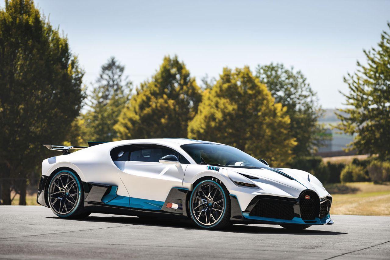 Bugatti Divo-deliveries-start-4