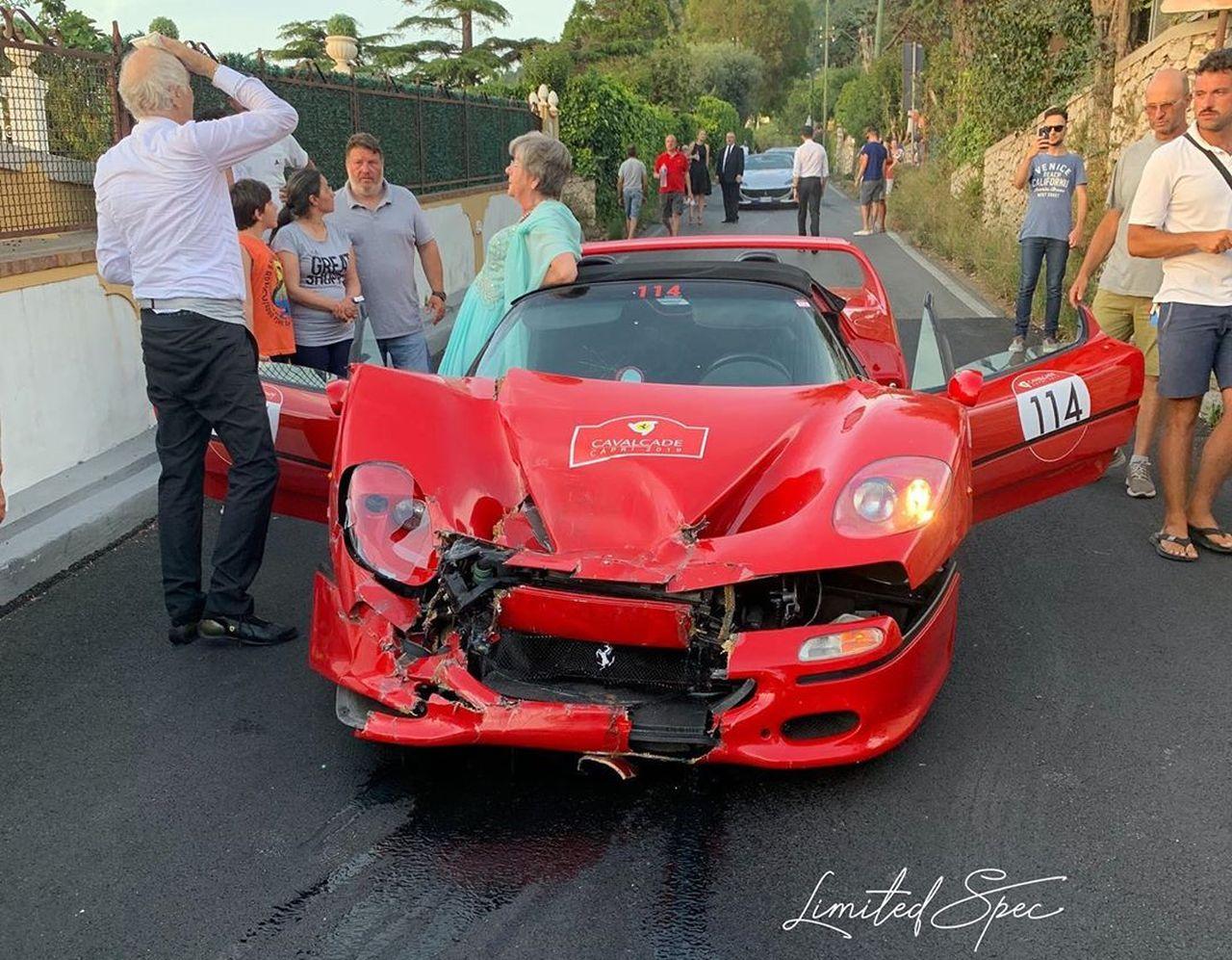 Ferrari F50-Cavalcade-2019-crash
