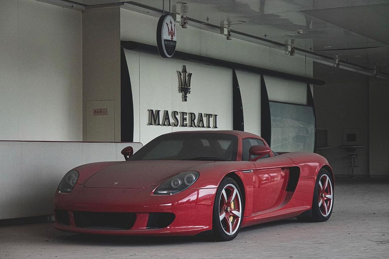 Zanzibar Red Porsche Carrera GT-China-1