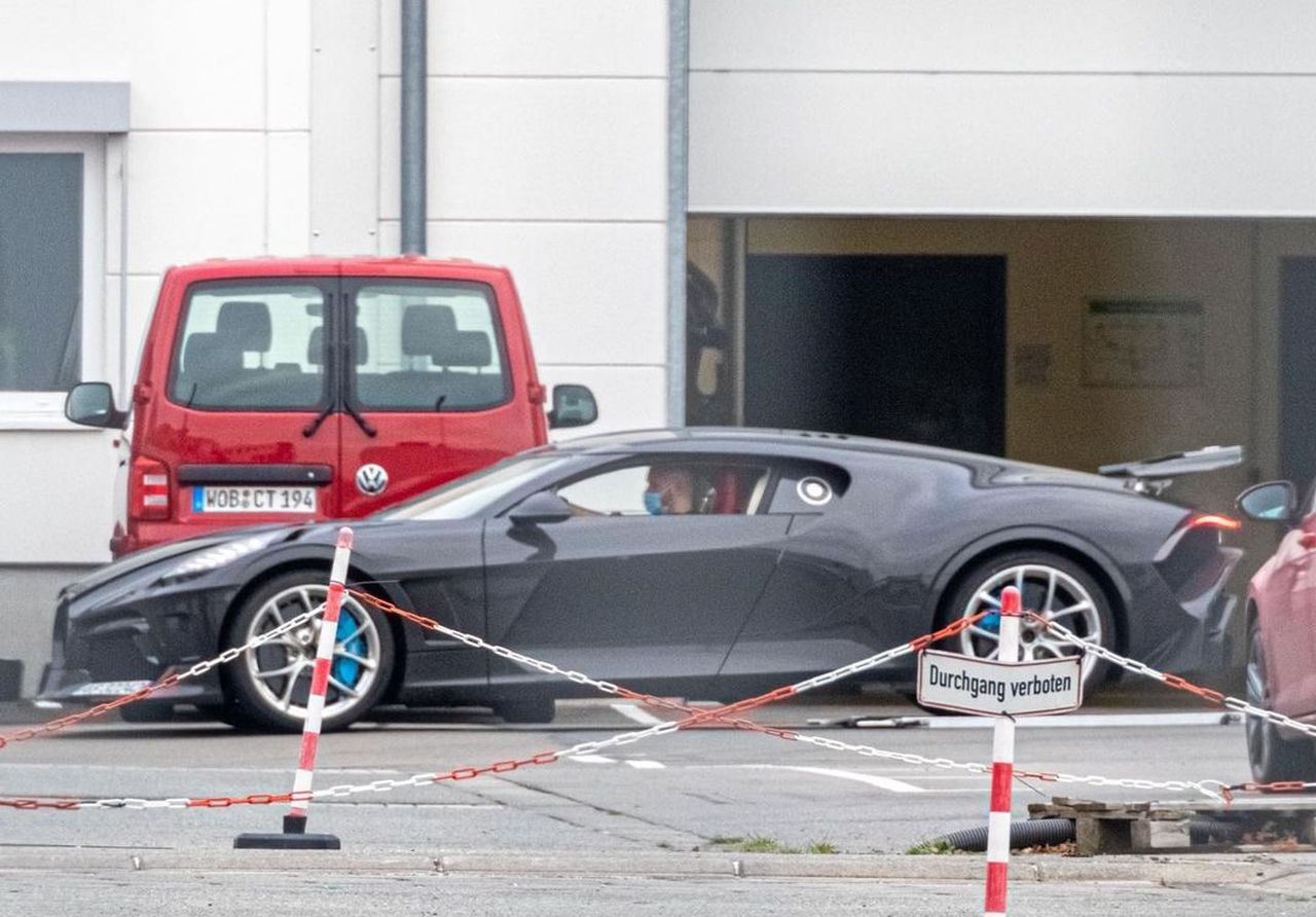Bugatti La Voiture Noire-prototype-2