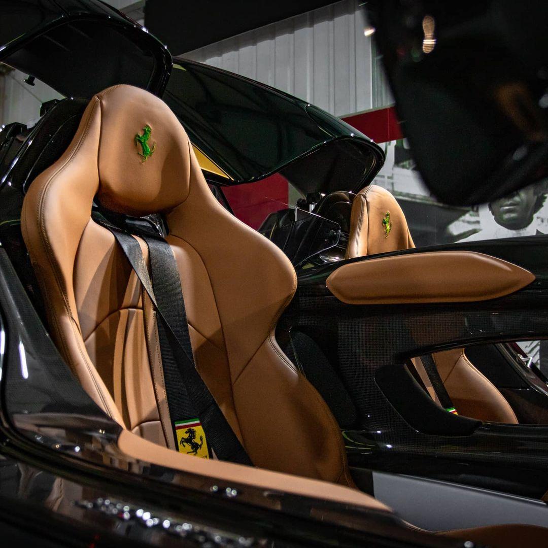 Green-Gold-Ferrari Monza SP2-UK-3