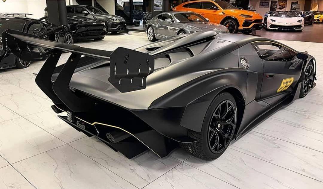 Lamborghini Essenza SCV12-1