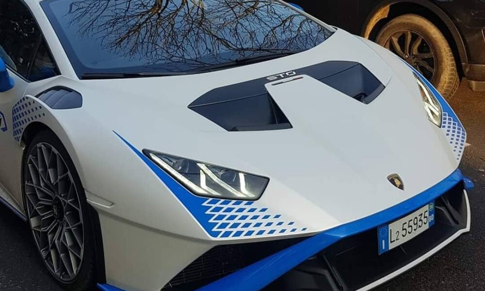 Matte-White-Lamborghini-Huracan-STO-2
