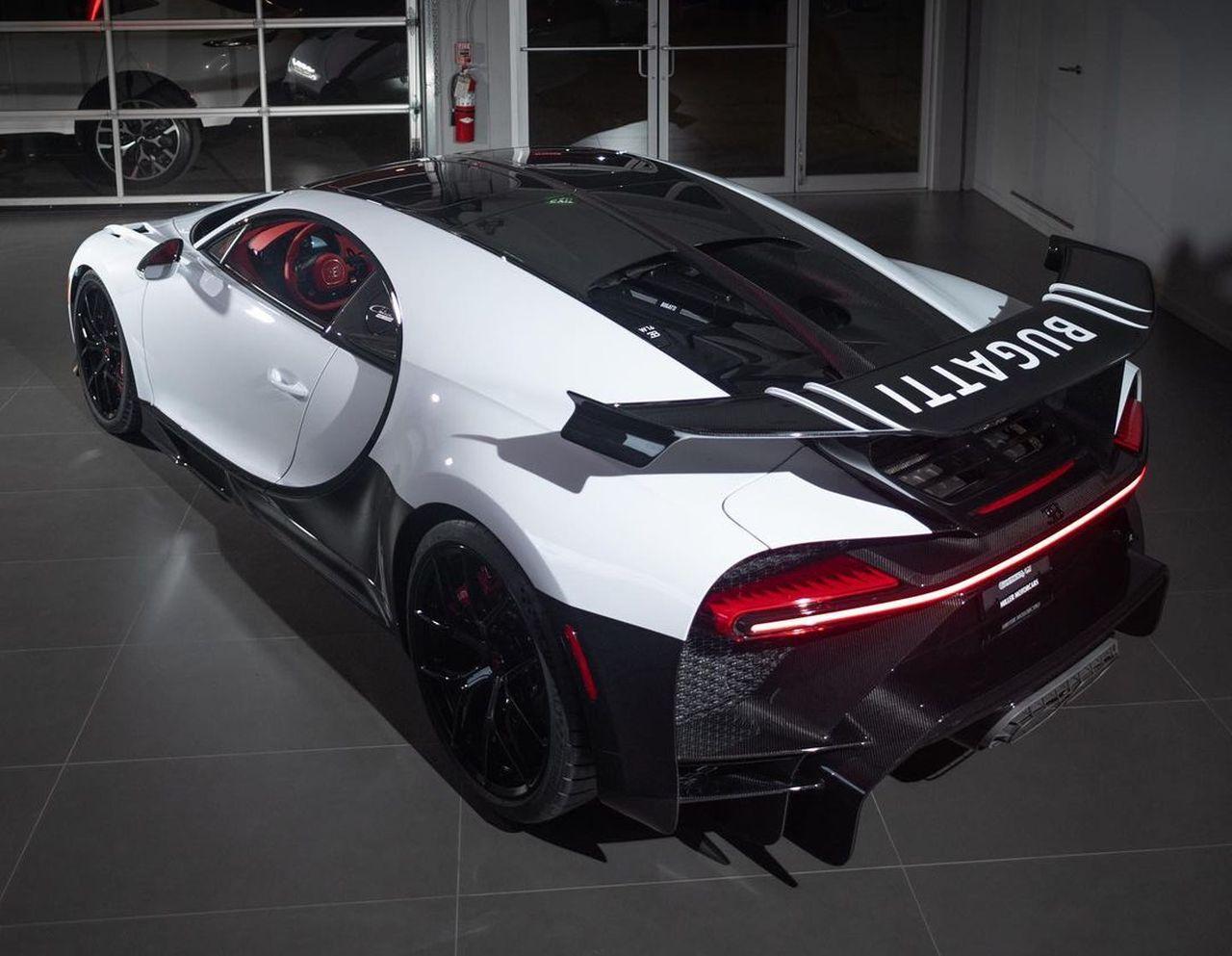 Quartz White Bugatti Chiron Pur Sport-Sparky18888-5