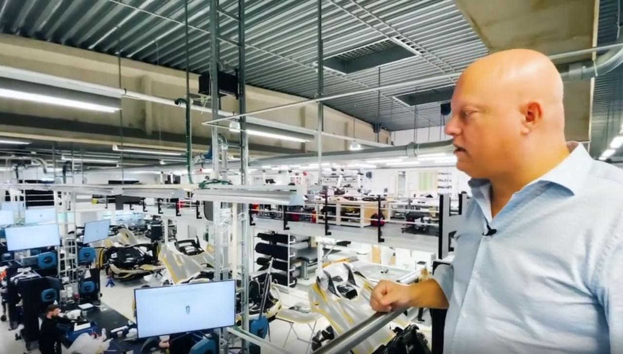 Koenigsegg production line-1