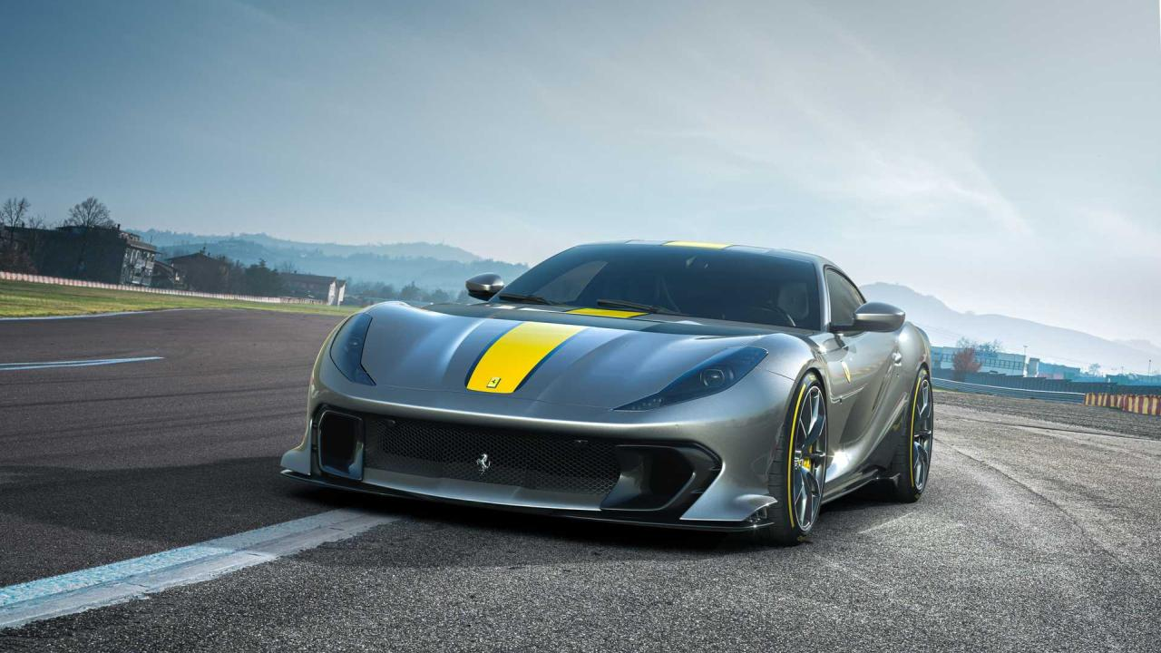 Ferrari 812 Competizione-1