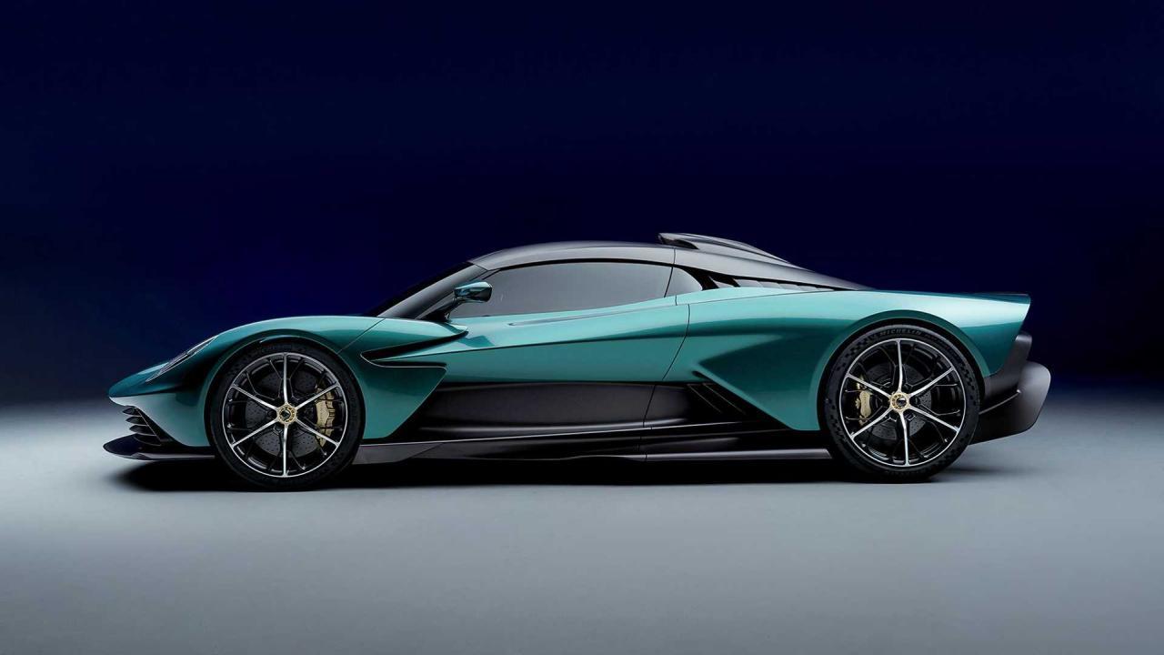 Aston Martin Valhalla-3
