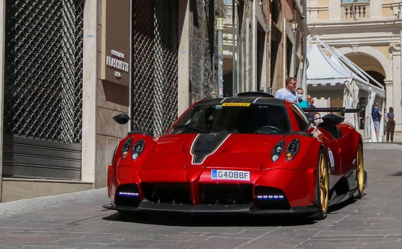 Pagani Huayra Imola-2021 Raduno-Top-Car-1