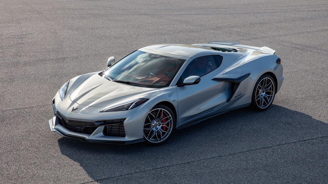 2023-chevrolet-corvette-z06-1